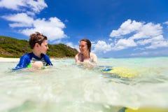 Vacanza della spiaggia della famiglia Immagine Stock