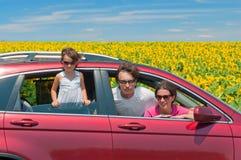 Vacanza di estate della famiglia, corsa in macchina Fotografia Stock