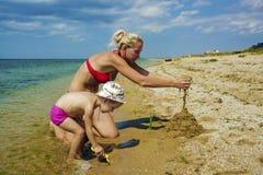 Vacanza di famiglia sulla spiaggia Immagine Stock Libera da Diritti