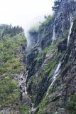 Vacanza e viaggio di turismo Montagne e fiordo Nærøyfjord in Gudvangen, Norvegia, Scandinavia Fotografia Stock