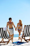 Vacation couple walking Royalty Free Stock Images