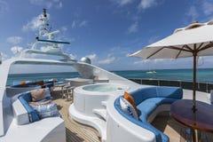 Vacation sull'yacht del motore, dettagli dell'yacht di lusso interno immagini stock libere da diritti