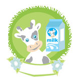 Vache douce avec du lait Photos stock