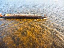 vacie barge adentro el hdr de Hamburgo foto de archivo
