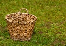 Vacie la cesta tejida Fotos de archivo libres de regalías