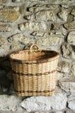 Vacie la cesta tejida Fotografía de archivo