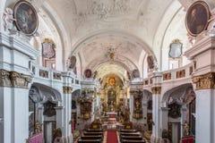 Vacie la iglesia hermosa dentro de la abadía de Durnstein, valle de Wachau, Au Imágenes de archivo libres de regalías