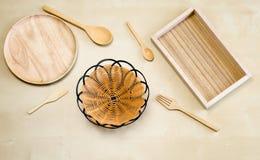 Vacie la placa de madera, la bandeja de madera, la cuchara de madera, la bifurcación de madera, la cuchara de madera del té, la c Fotografía de archivo