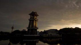 Vackra tidslinjer nära floden i Alor Setar Malaysia arkivfilmer