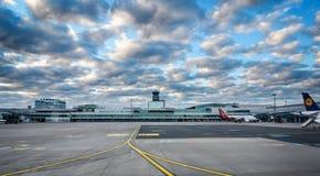 Vaclav Havel flygplats Prague arkivfoton