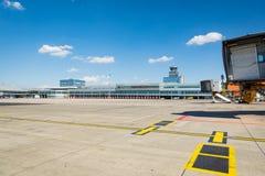 Vaclav Havel flygplats Prague royaltyfri fotografi