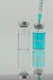 Vacuna en los frascos para la parada MERS-CoV Imágenes de archivo libres de regalías