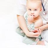 Vacunación del niño foto de archivo libre de regalías