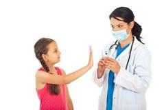 Vacunación de la basura de la muchacha Imagen de archivo