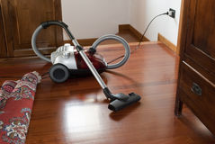 Free Vacuum Cleaner Stock Image - 17001571