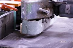 Vada in automobile ruggine di lerciume grigio di industria della lavorazione dell'alluminio del ferro dell'estratto della struttu Immagine Stock