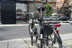 Vada in bicicletta il parcheggio Fotografia Stock Libera da Diritti