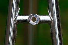 Vada in bicicletta la parte della struttura, il dettaglio dal soggiorno superiore, supporto del freno fatto della s fotografia stock libera da diritti