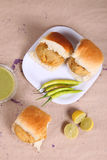 Vada fritado tradicional especial indiano pav do alimento Fotos de Stock
