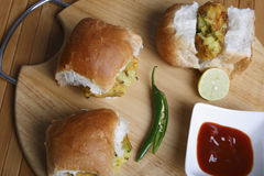 Vada Pav - maharashtrian закуска Стоковая Фотография