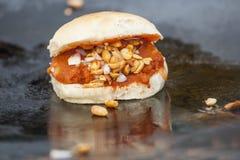 Vada Pav - maharashtrian закуска Стоковое Фото