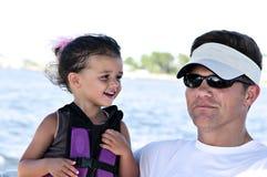 Vader en Dochter op Vakantie Stock Foto's