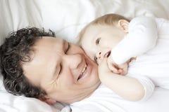 Vader en kind Royalty-vrije Stock Afbeeldingen