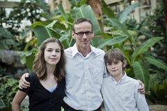 Vader en kinderen stock afbeeldingen