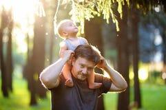 Vader en zijn zoon Stock Foto