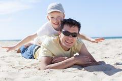 Vader en Zoon samen Royalty-vrije Stock Afbeelding