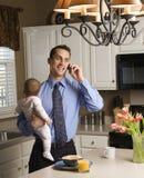 Vader met baby. Stock Foto's