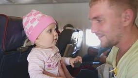 Vader met dochter stock videobeelden