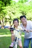 Vader met twee meisjes Stock Foto's
