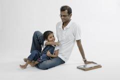 Vaderlijke liefde. Royalty-vrije Stock Afbeeldingen