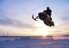 Śnieżna przez cały kraj rasa. fotografia stock