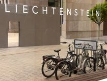 Vaduz Liechtenstein - Juni 02, 2017: Inskriften Liechtenst Royaltyfri Fotografi