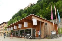 Vaduz Liechtenstein - Juni 02, 2017: Sikt av den turist- mitten Arkivfoton