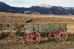 Vagão velho da exploração agrícola Fotografia de Stock