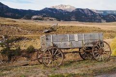 Vagão velho da exploração agrícola em Montana Fotografia de Stock Royalty Free