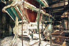 Vagão velho dos trens nas minas Imagem de Stock