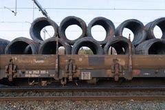 Vagões da carga do trem fotos de stock