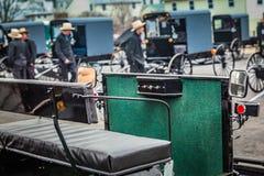 Vagões e carrinhos de Amish para a venda fotos de stock