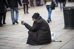 Vagabundo que pide ayuda Fotografía de archivo libre de regalías