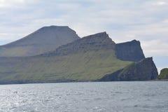 Vagar ö i Faroeen Island royaltyfria bilder