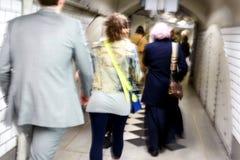 Vage Forenzen die de Ondergrondse Trein van Londen met behulp van Royalty-vrije Stock Afbeelding