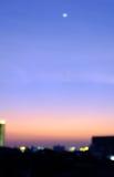 Vage hemelzonsondergang in stad, Bangkok Thailand Stock Fotografie
