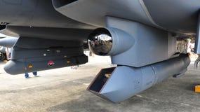 Vagem do atirador furtivo XR de Lockheed Martin sob F-15SG Fotografia de Stock