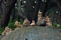 Vagga balansera, en zenmeditationövning Pic togs i Gyeo Royaltyfri Bild