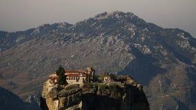 Vagga bildande och ortodoxa kloster i Meteora, Grekland Arkivbilder