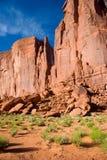 Vagga bildande och spridda ökenstenblock, monumentdalen Royaltyfri Bild